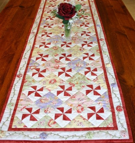 Windmills & Roses Table runner