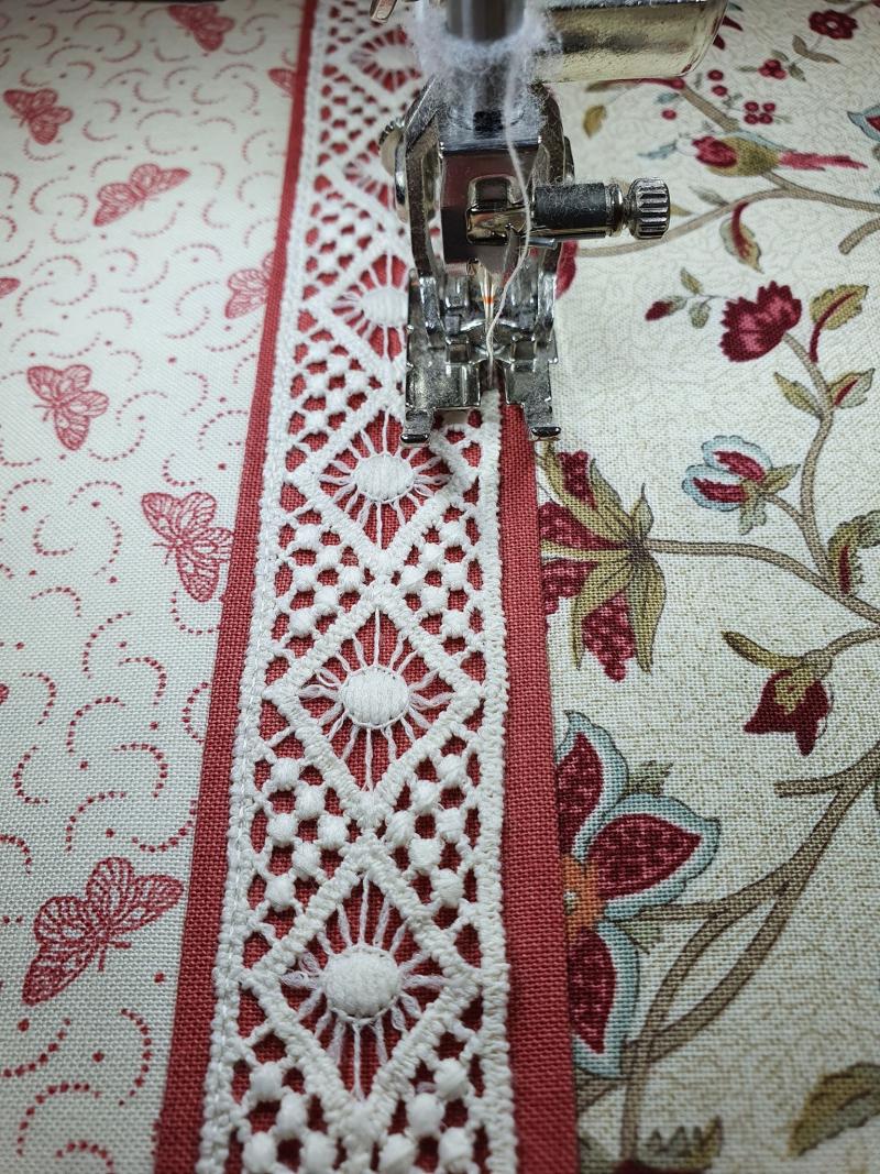 Snap bag lace