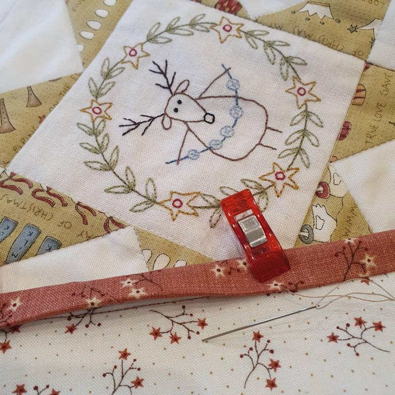 Christmas quilt binding