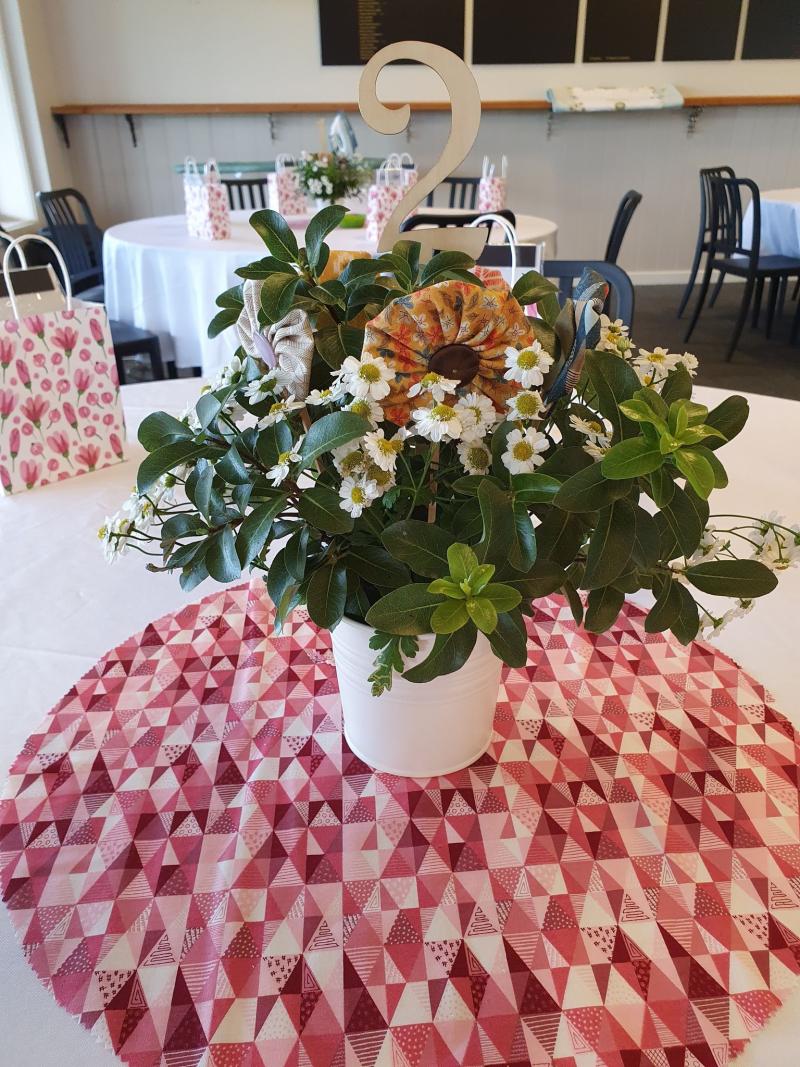 Retreat 2021 table centre