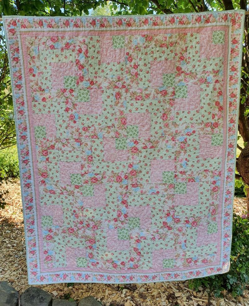 Floral cascade quilt 2